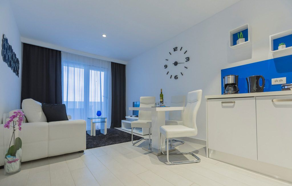 LUX Apartman 6 12